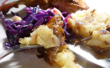 Roast duck legs with Hungarian braised red cabbage, kacsapecsenye