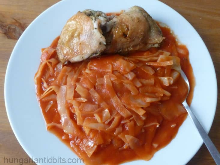 Cabbage in tomato sauce
